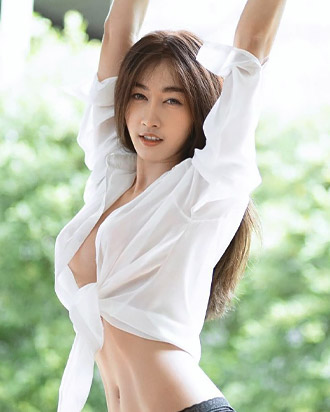 gunggingnsk beautiful thai woman