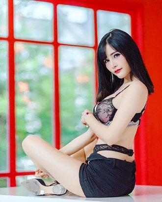 may kuza pretty thai girl