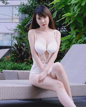 parvinee beautiful thai girl